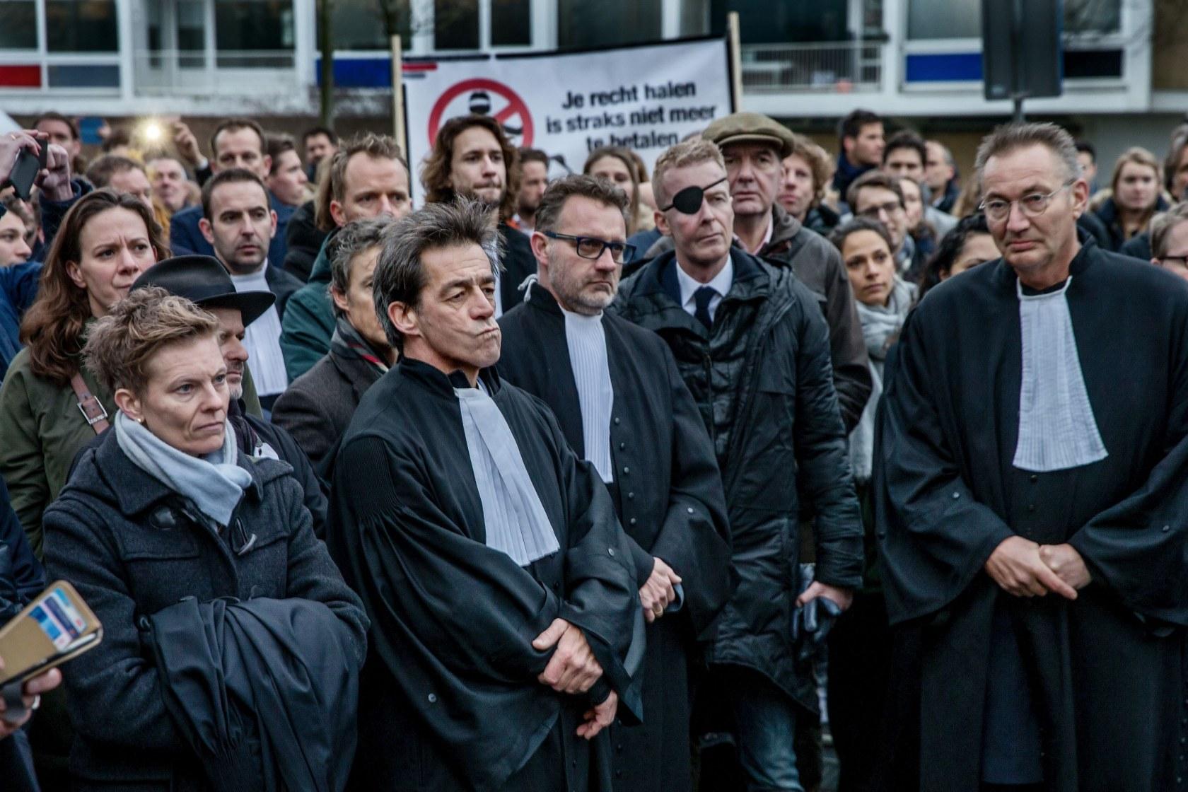 JPJ-demonstratie-van-de-Advocaten-bij-de-Rechtbank-klein1