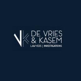 logo_De_Vries&Kasem